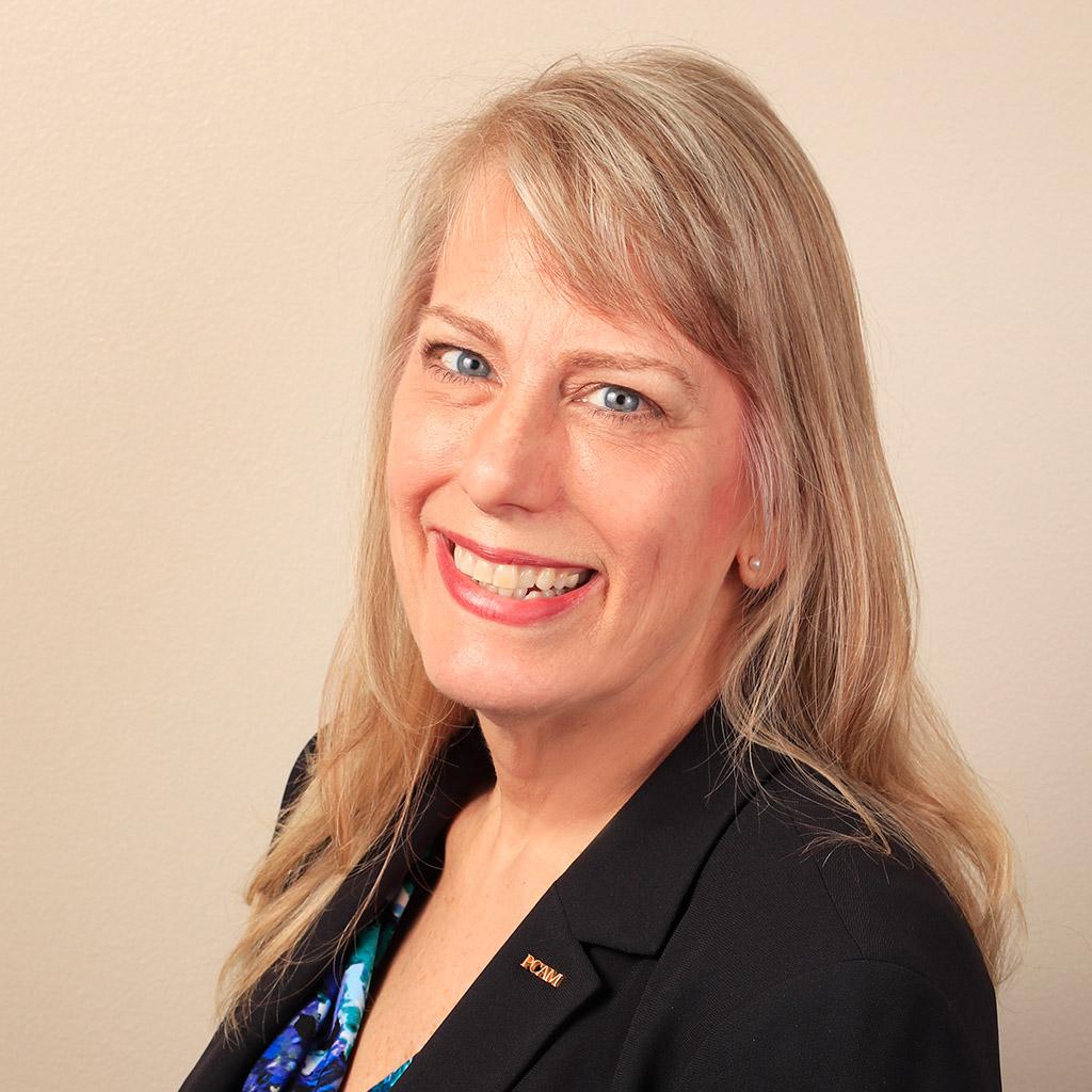 Teresa Bosteter, Association Division Manager